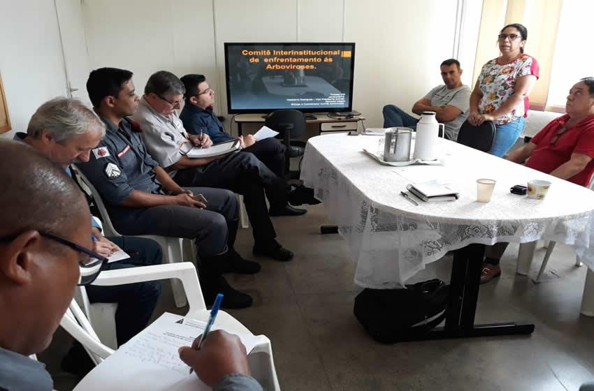 Comitê discute mobilização contra arboviroses