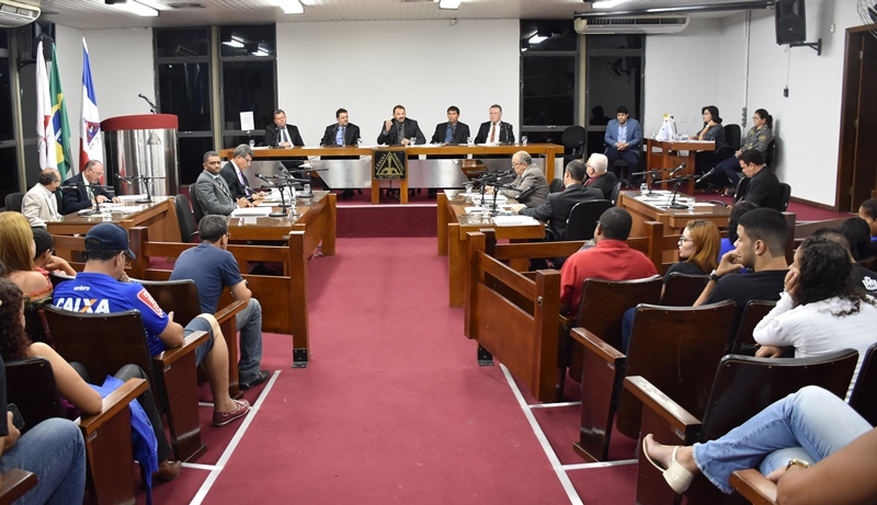 Vereadores e servidores da Câmara de Timóteo terão cota de diária anual