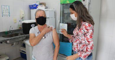 Prefeitura inicia vacinação contra a Covid-19 de idosos de 60 a 64 anos