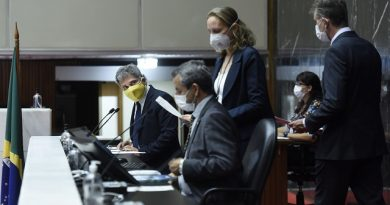 Plenário da Assembleia de Minas recebe Relatório Trimestral do governo Zema